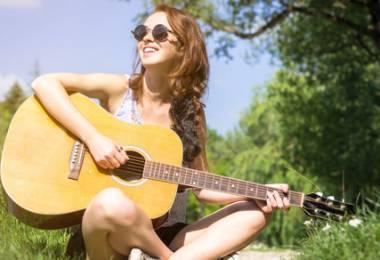 Gia sư dạy đàn Guitar tại nhà